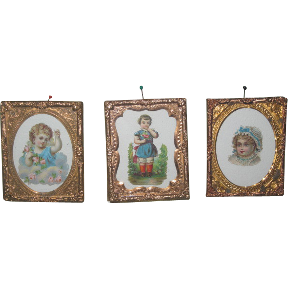 CHARMING Set ot 3 Miniature Victorian German Die Cut Pictures in Ormolu Frames!