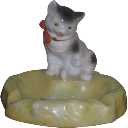 ADORABLE Vintage Painted Porcelain Kitten Dish!
