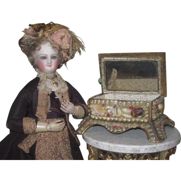 GORGEOUS Antique Victorian Shell Art Miniature Trinket Box/Sewing Etui for DOLL DISPLAY!