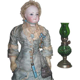 CHARMING Vintage Miniature Gone With The Wind Oil Lamp for FASHION DOLLS!