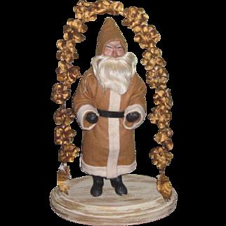 CHARMING Old World Style Artist Santa Figurine!