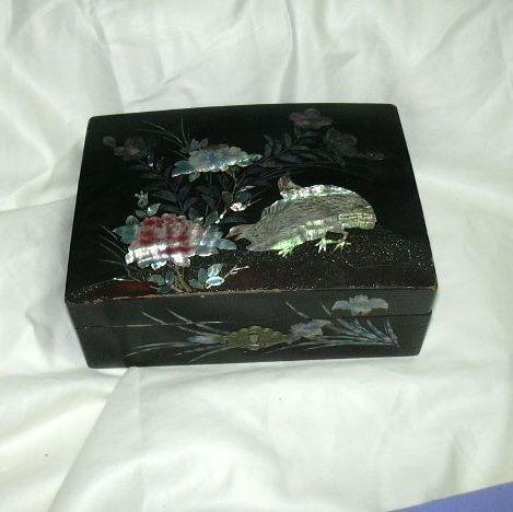 Old Jewelry Trinket Box Lacquer Mother Of Pearl Inlay