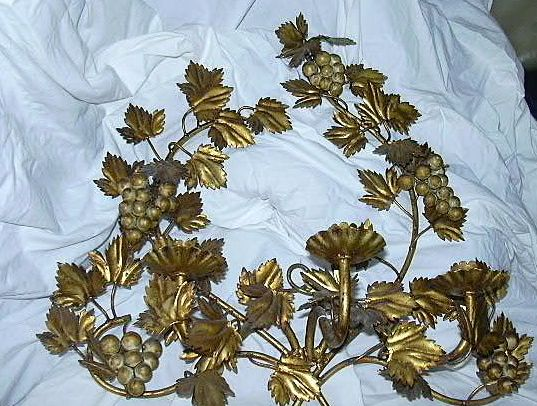 Italian Florentine Gold Gilt Grapes Sconce Lighting Wall  Candleholder