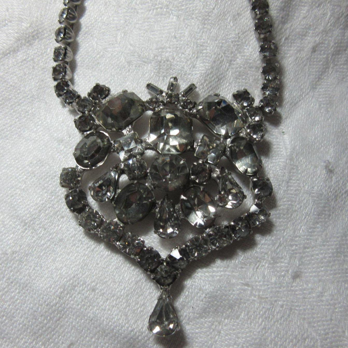 Old Rhinestone Elegant Necklace Fine Vintage Jewelry