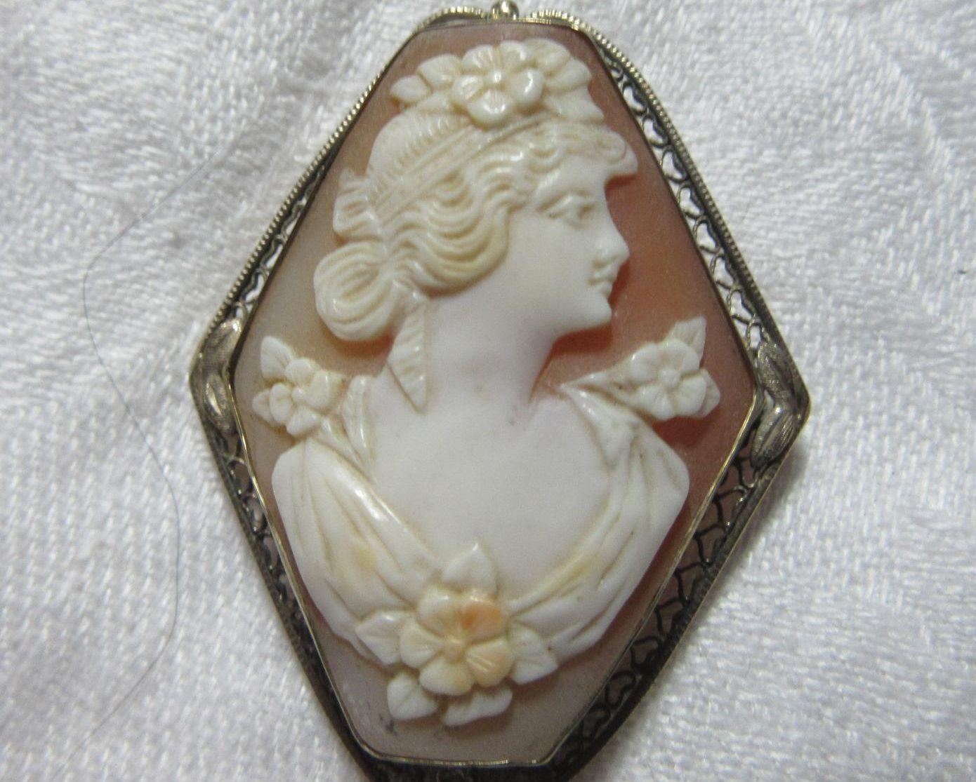 14K White Gold Carved Shell Cameo Brooch  Pendant