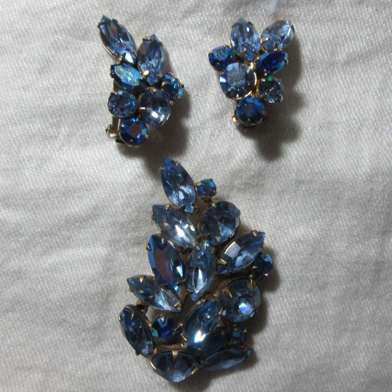 Regency Signed Blue Rhinestone Brooch Earring Set Demi Parure