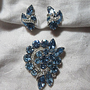 Eisenberg Ice Blue Rhinestone Brooch Earring Set Demi Parure