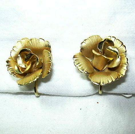 Lisner Gold Tone Metal Roses Clip Earrings