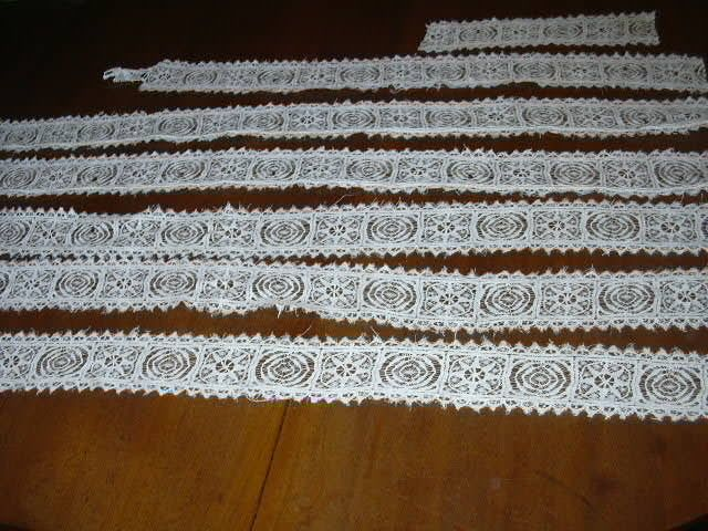 Old Linen Lace Wide Edging Strips