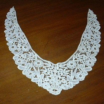 Old White Lace Collar