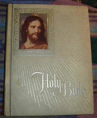 Holy Bible Catholic Fireside Family Edition Oversize Beautiful Binding 1972 Edition Fine Religious Christianity