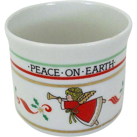 Christmas Cup Proclaims Peace on Earth