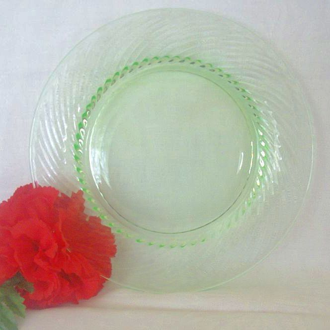 Green Depression Glass Swirl Pattern Luncheon Plate