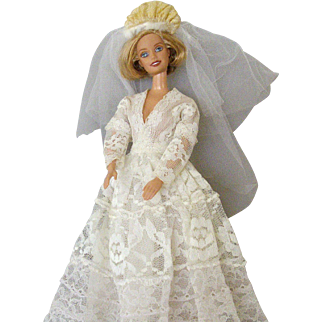 Barbie's Winter Wedding Veil # 1880 With Homemade Gown