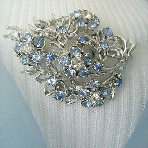 Spectacular Pin With Bouquet of Blue & White Rhinestone