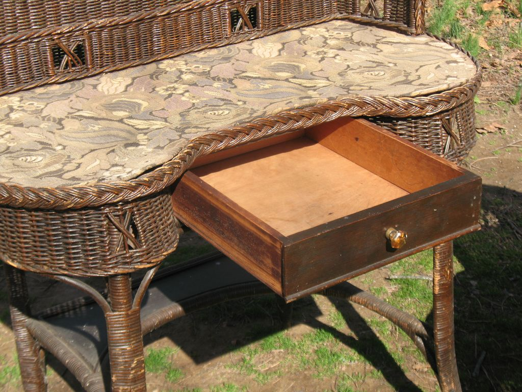 Natural Art Deco Vintage Wicker Desk and Chair Circa 1920s from