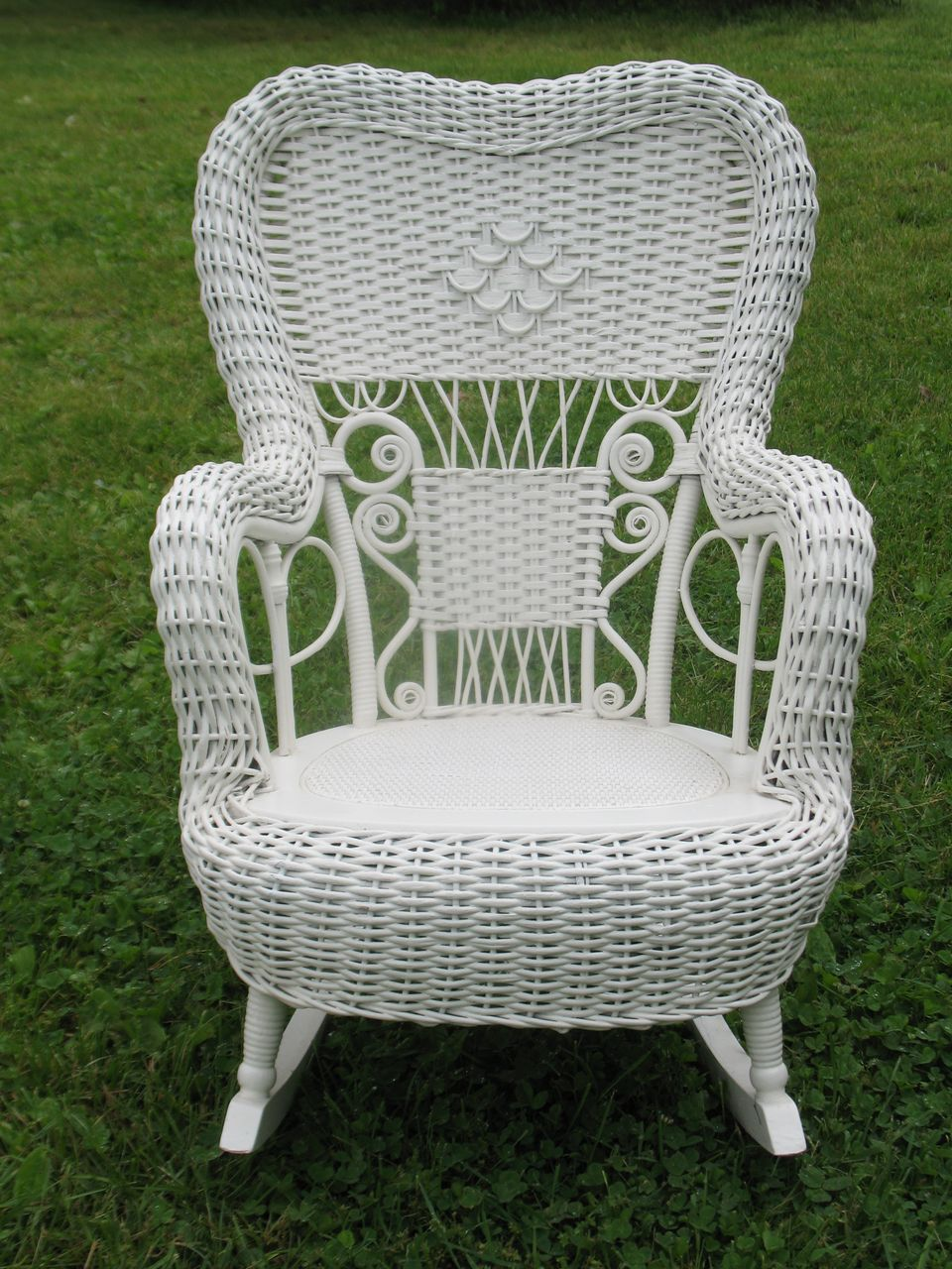 Fancy antique victorian child 39 s wicker rocker heywood - Old fashioned patio furniture ...