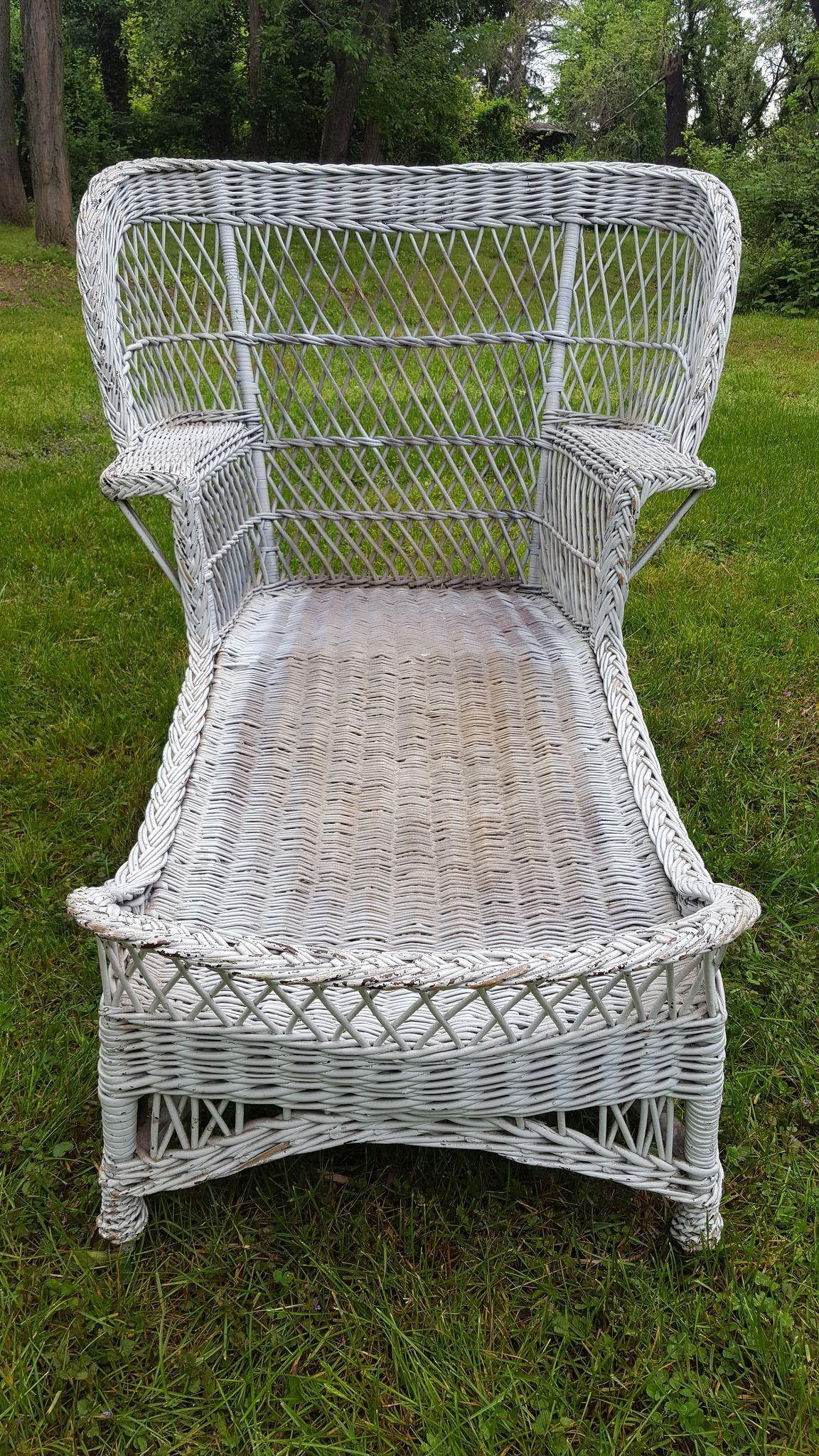 Very Rare Vintage Bar Harbor Wicker Wing Back Chaise Lounge Circa