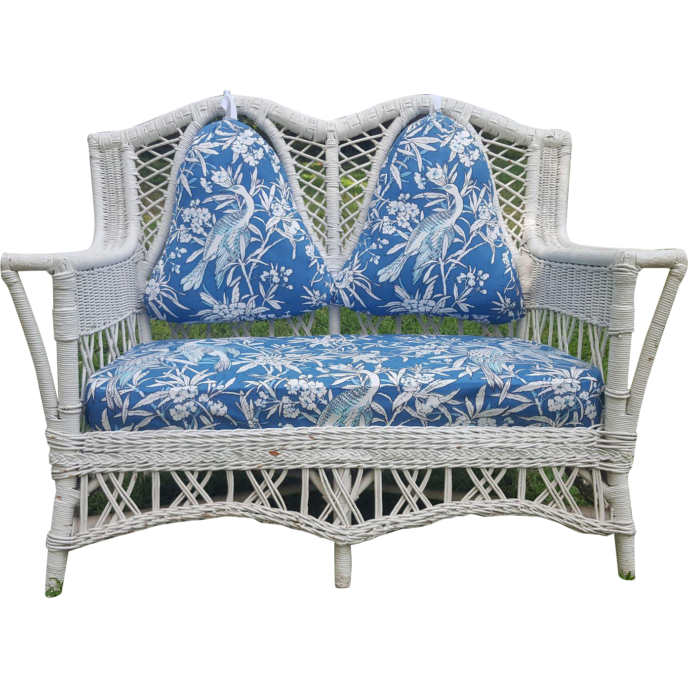 Shapely Vintage Bar Harbor Wicker Settee Circa 1920 S From