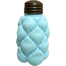 Pineapple Shaker Antique Glass Satin Finish C L & G Co. Circa 1894-98
