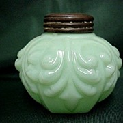 Single Salt Shaker American Glass Circa 1894 - 1902
