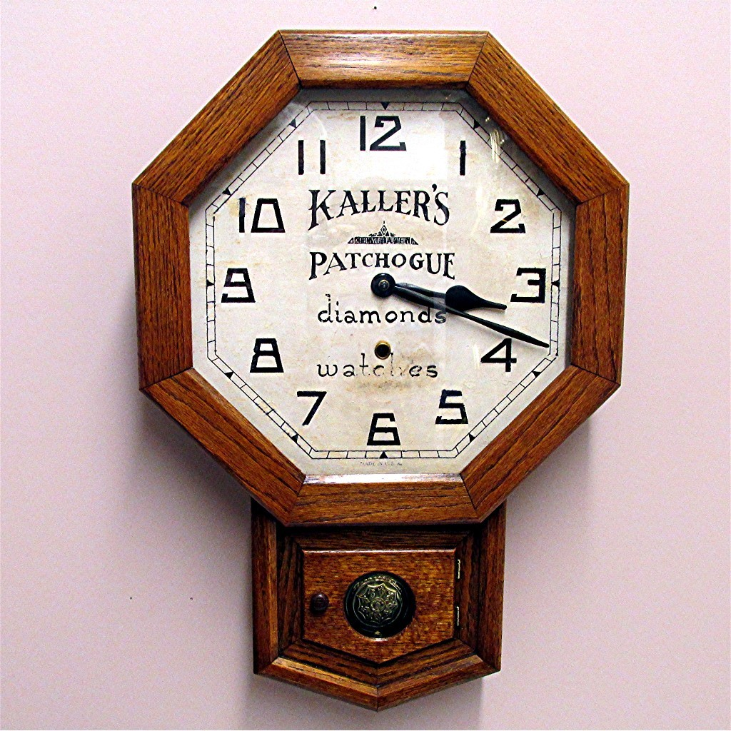 SOLD    Original New Haven Advertising Clock From Long Island New York 100% Original Fully Restored