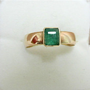 Emerald Ring Hallmarked 1867 9 Carat Gold