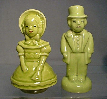 Salt and Pepper Set Colonial Couple Shakers