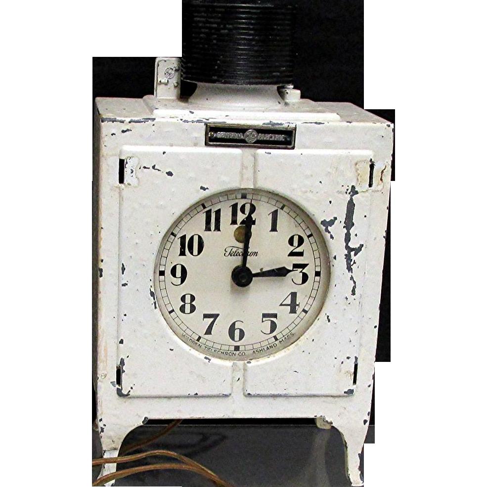Advertising Clock Original G.E. Electric Refrigerator Clock Monitor Top Clock