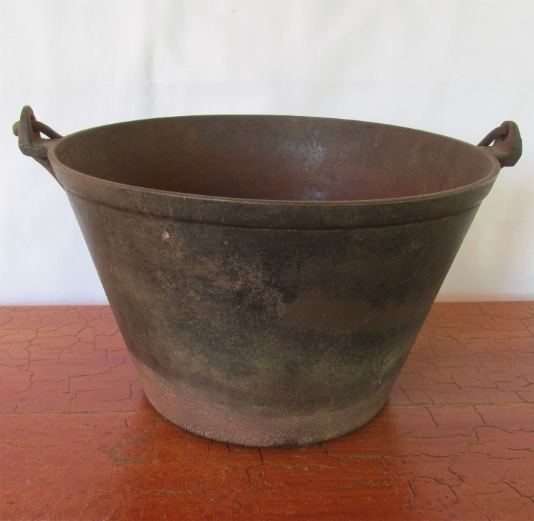 Cooking With A Kettle ~ Cast iron cooking kettle or pail from drury on ruby lane