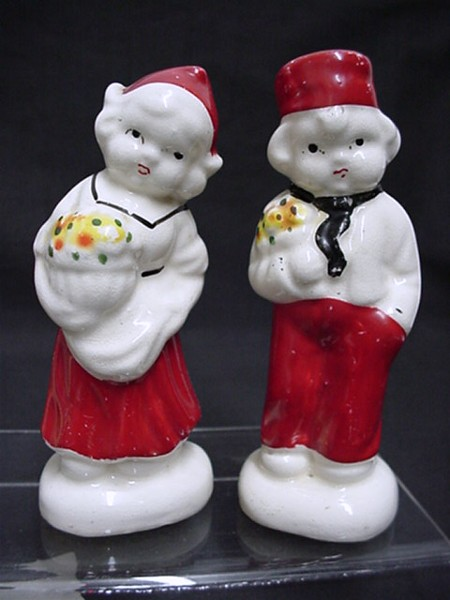 Salt and Pepper Set Dutch Couple Shakers