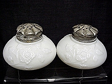 Salt and Pepper Shakers American Glass Eagle Mfg. Co.