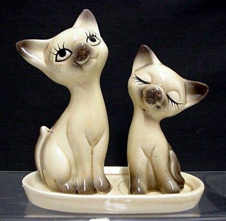 Cats on Tray Salt and Pepper Shakers