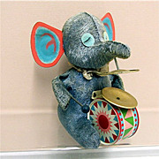 Wind Up Elephant Tin Toy  with  Key and WORKS