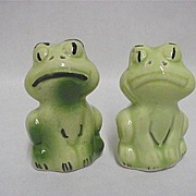 Green Frogs Salt and Pepper Set