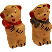 Vintage Shawnee Pottery Porcelain Ceramic Bears Salt and Pepper Shakers