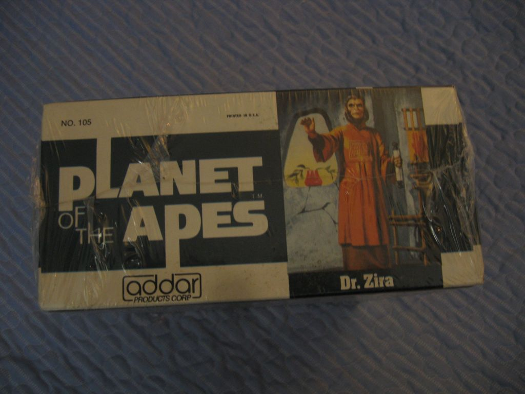 "Planet of the Apes ""Dr. Zira"" Snap together Figure"