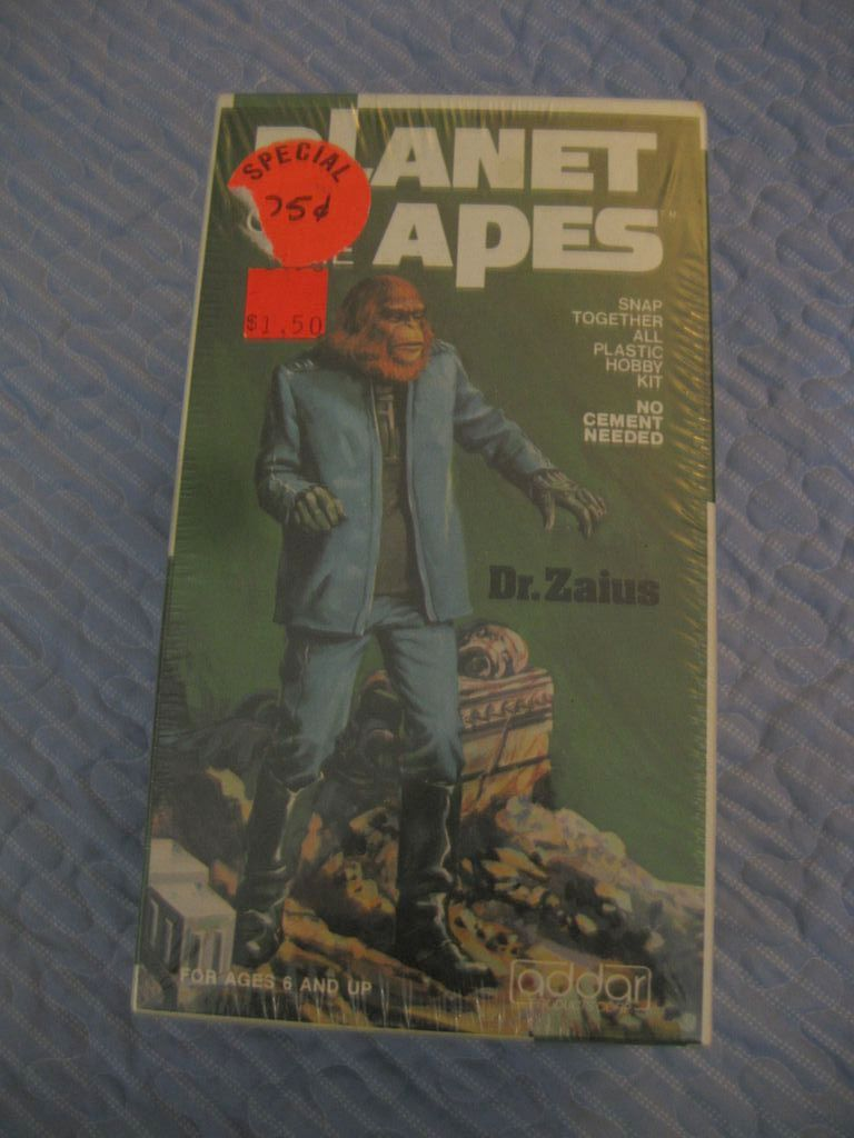 "Planet of The Apes ""Dr. Zaius"" Snap together Plastic  Figure"