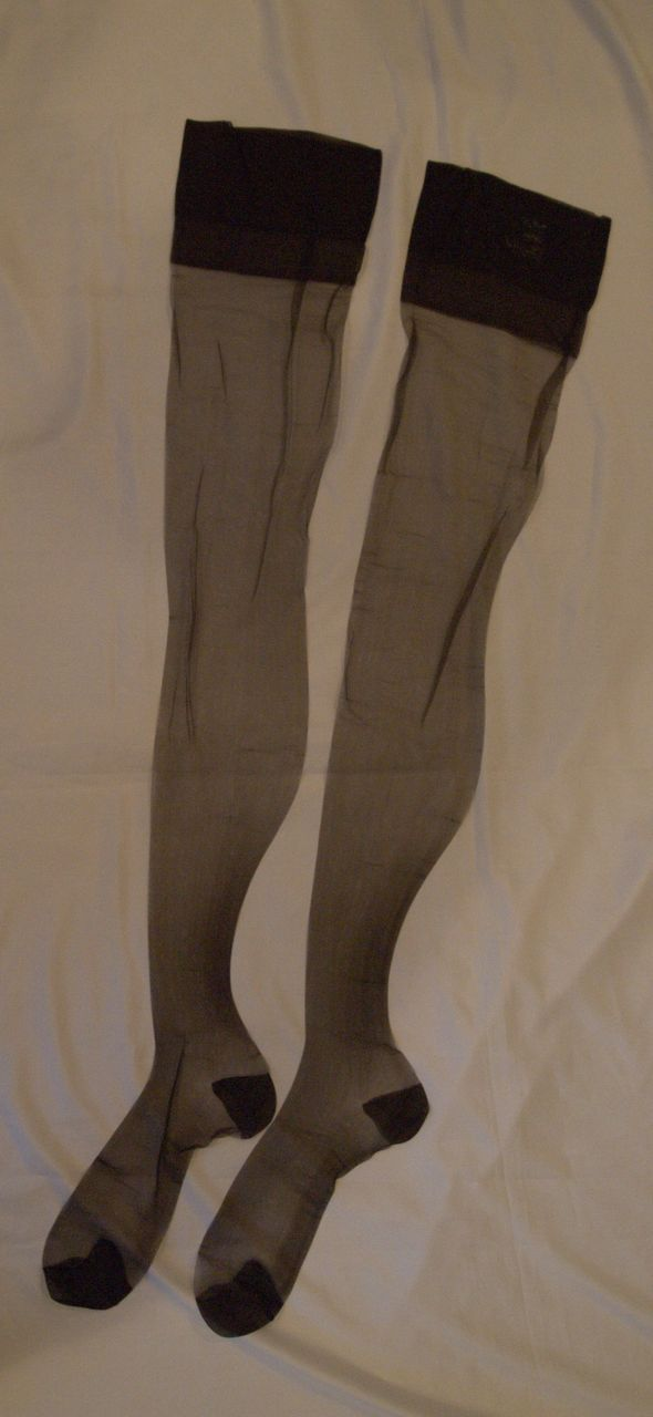 Vintage Nylon Stockings by Van Raalte ~ Safari ~ Sz 11 ½