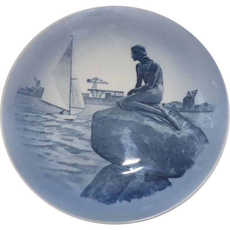 "Royal Copenhagen Christmas Plate ""The Little Mermaid"""