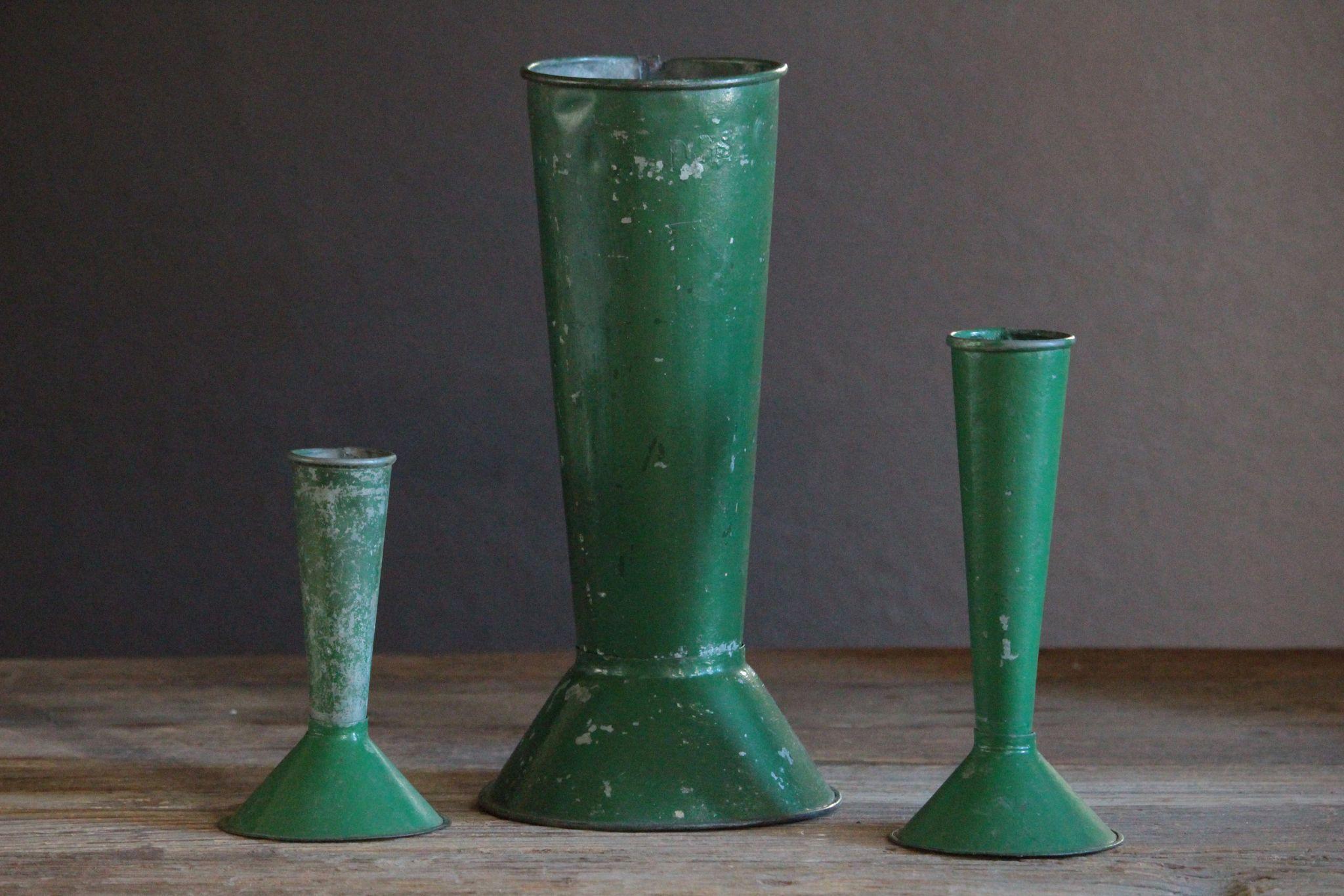 RL-EA002261.5L Zinc Flower Vases on zinc car, zinc dog, zinc table, zinc metal, zinc basket, zinc chest, zinc patina, zinc desk,