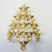 "Signed ""BW"" Christmas Tree Pin - Beautiful - Book Piece"