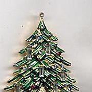 Wonderful Vintage Christmas Tree Pin - Signed CAPRI - Book Piece