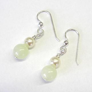 Beautiful Pastel Green Serpentine/Swarovski Pearl Earrings