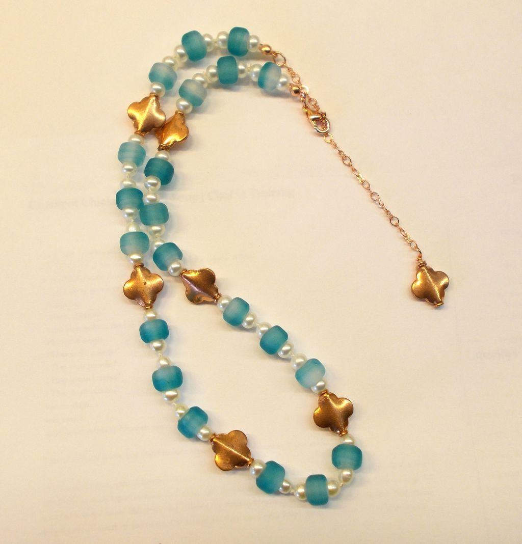 Beautiful Copper/Freshwater Pearl/Glass Necklace