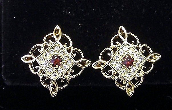 Beautiful Rhinestone and Filigree CLIP BACK Earrings