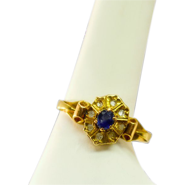 Very Feminine Antique 18K Gold Sapphire and Old Rose cut Diamond Ring