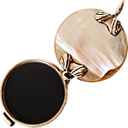 Antique Magnifying Glass Quizzer in Sterling Silver and Mother of Pearl
