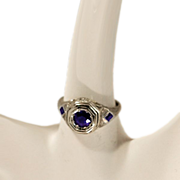 Gorgeous Vintage 18 Karat White Gold & Sapphires Ring