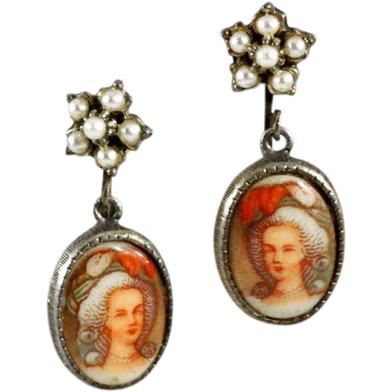 Darling Vintage Porcelain Marie Antoinette Earrings